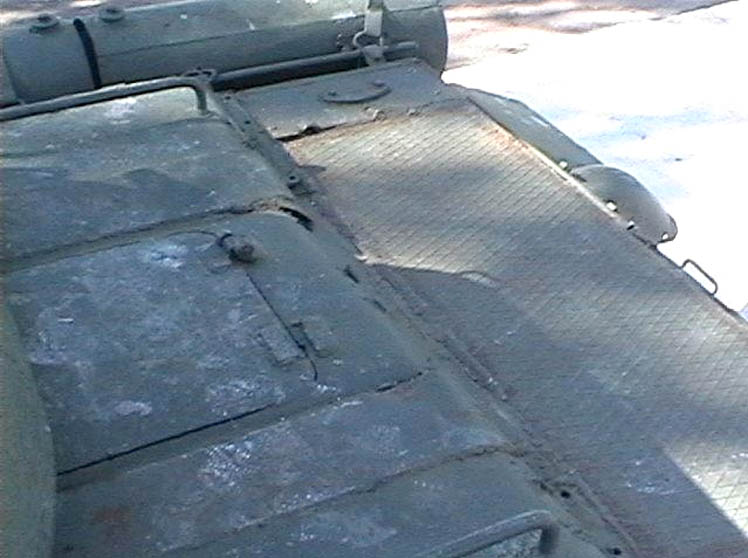 Танк Т-34/85, крышка мотора