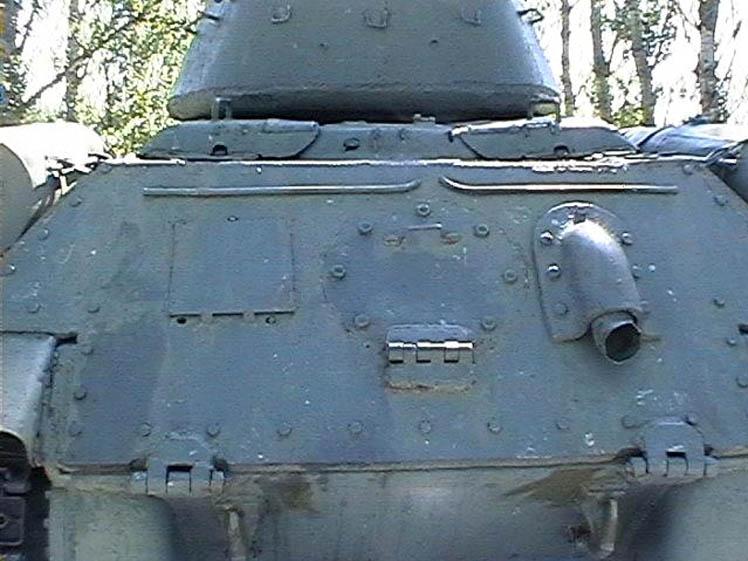 Танк Т-34/85, глушитель