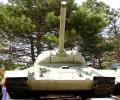 танк Т-34/85, вид спереди снизу