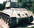 танк Т-34/85, вид сзади