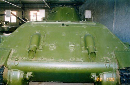 Танк Т-34 вид сзади
