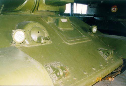 Танк Т-34 вид на пулемёт