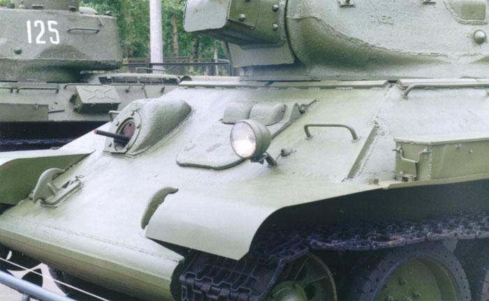 Танк Т-34 фара искатель