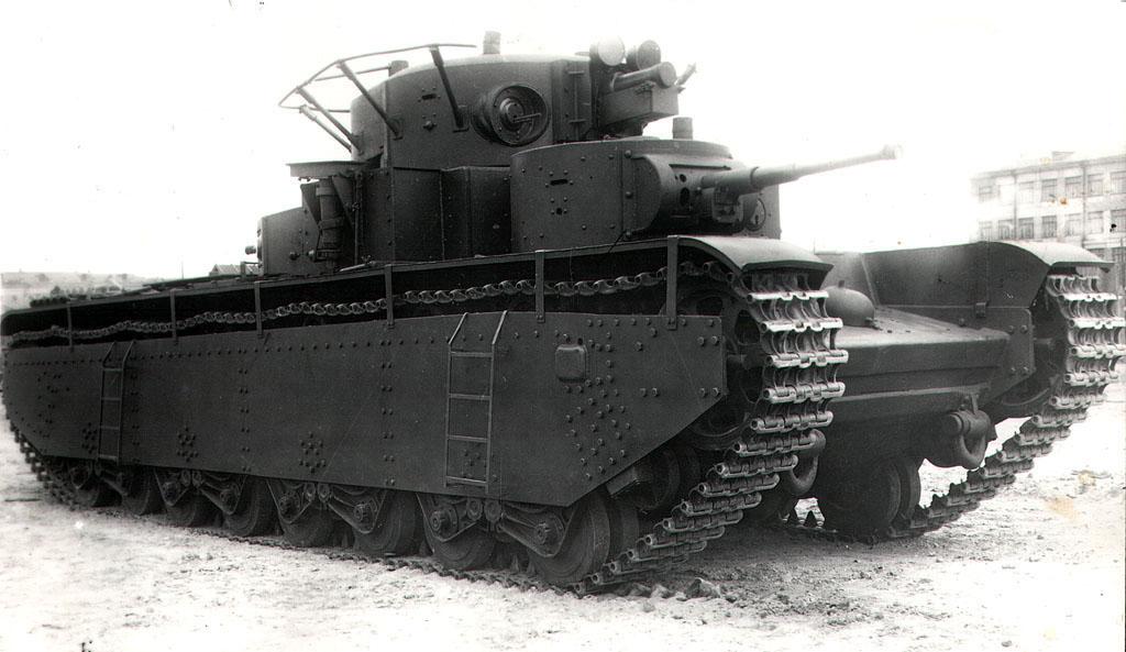Танк Т-35 зимой