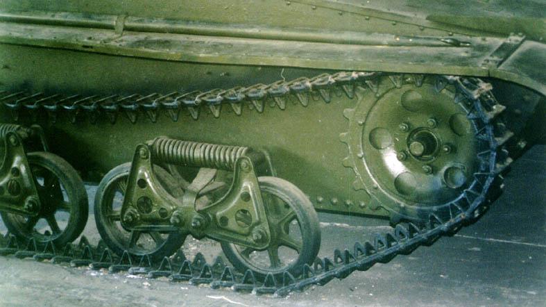 Танк Т-37, гусеница