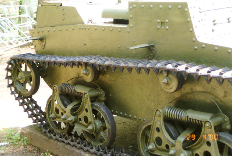 Танк Т-38, гусеницы