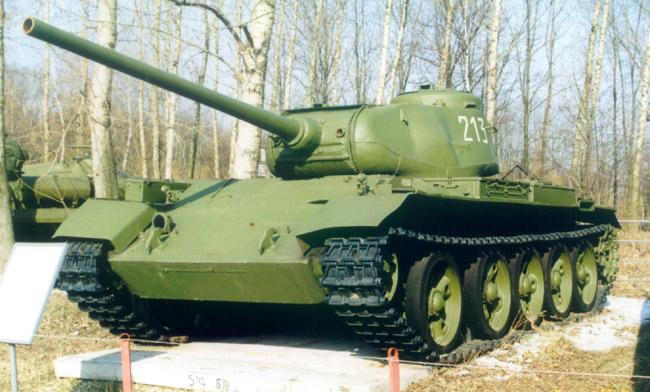 Танк Т-44, на постаменте