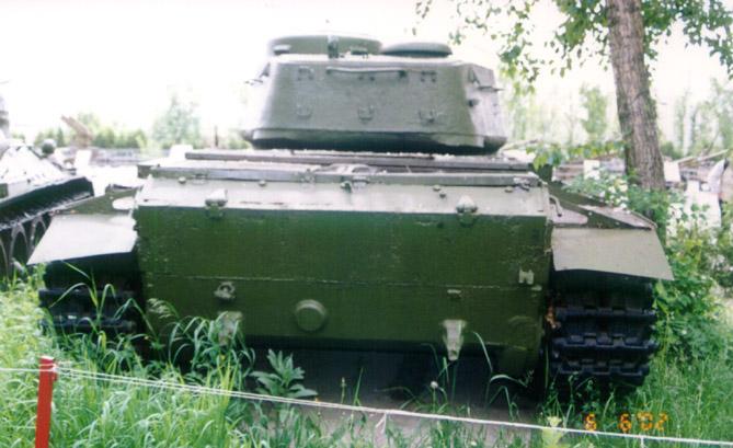 Танк Т-44, вид сзади