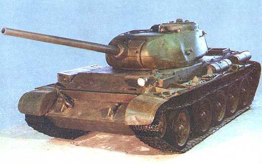 Танк Т-44, вид спереди