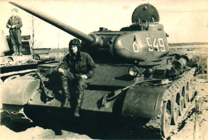 Танк Т-44, на привале