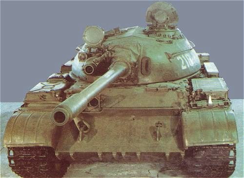 Танк Т-44, вид спереди сверху