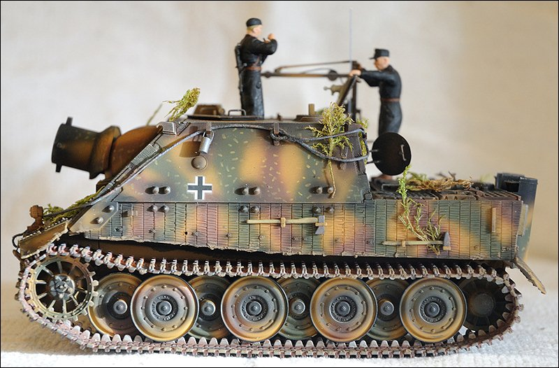 Танк Sturmtiger, вид слева