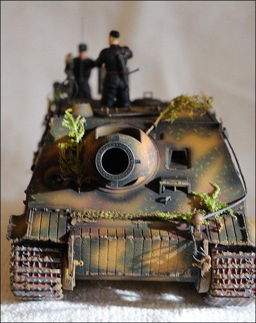 Танк Sturmtiger, вид спереди