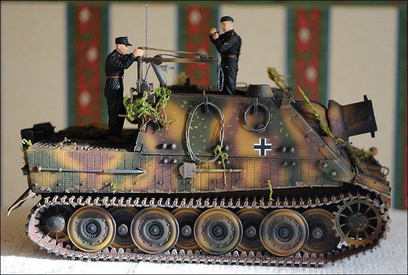 Танк Sturmtiger, вид справа