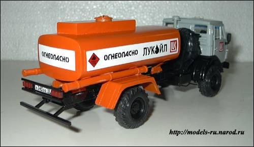 Бензовоз АТ - 56081
