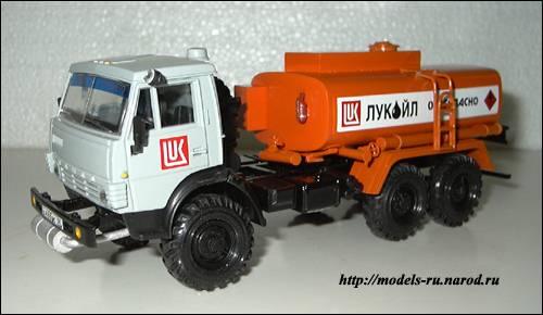 Бензовоз АТ-56151, на базе КАМАЗ