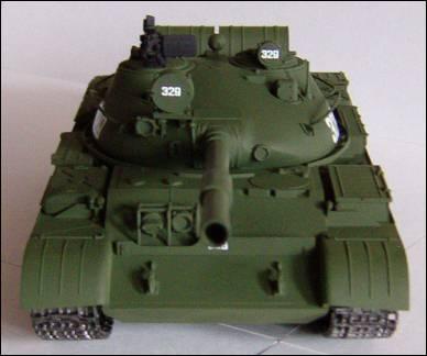 Т-62, вид спереди